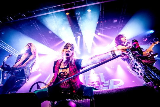 Steel-Panther_200120_00001
