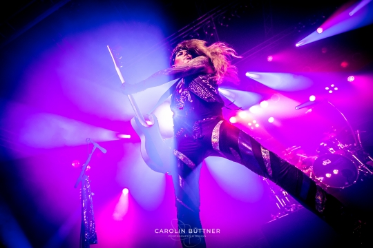 Steel-Panther_200120_00011